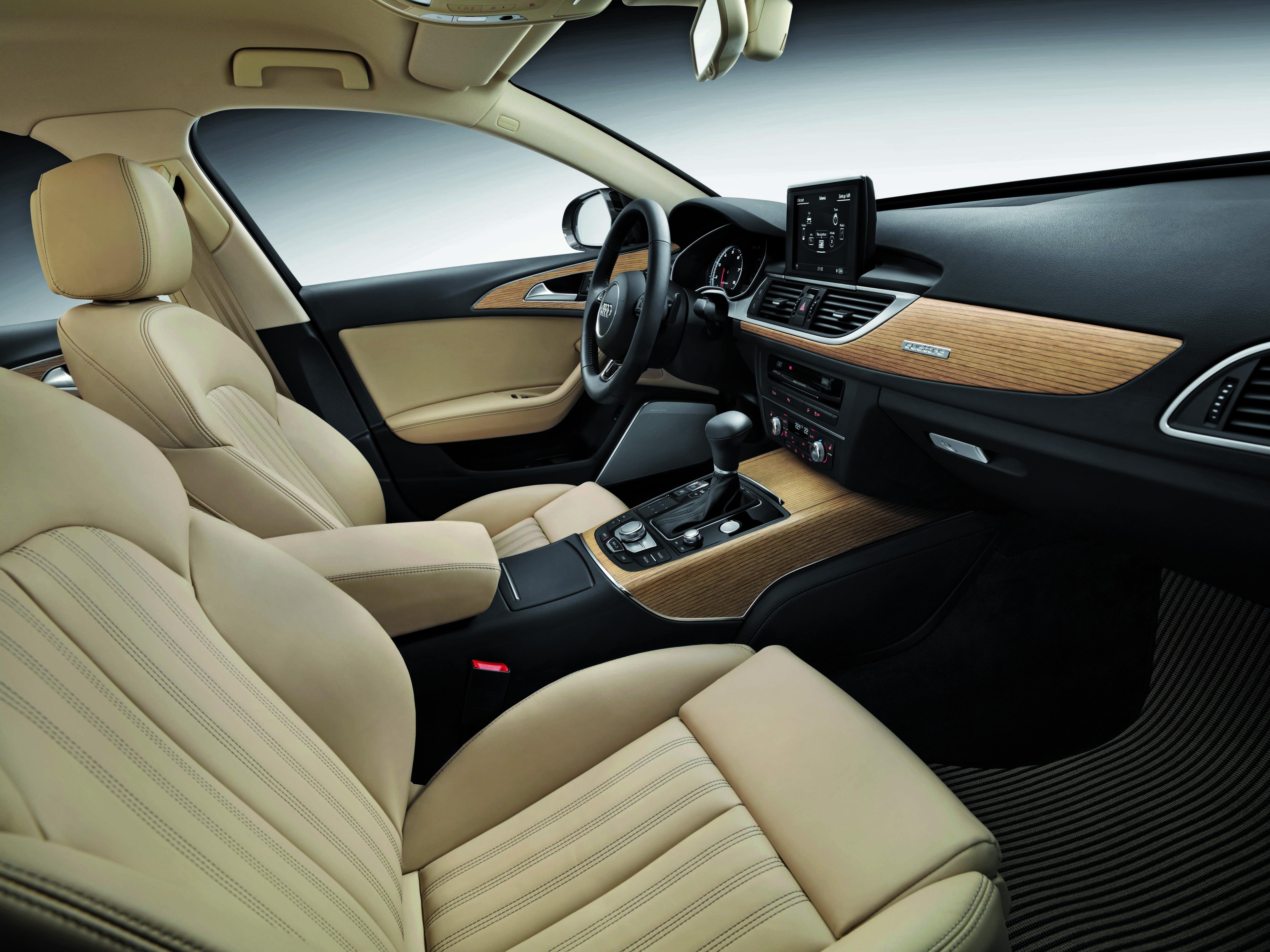 Audi A6 interiér